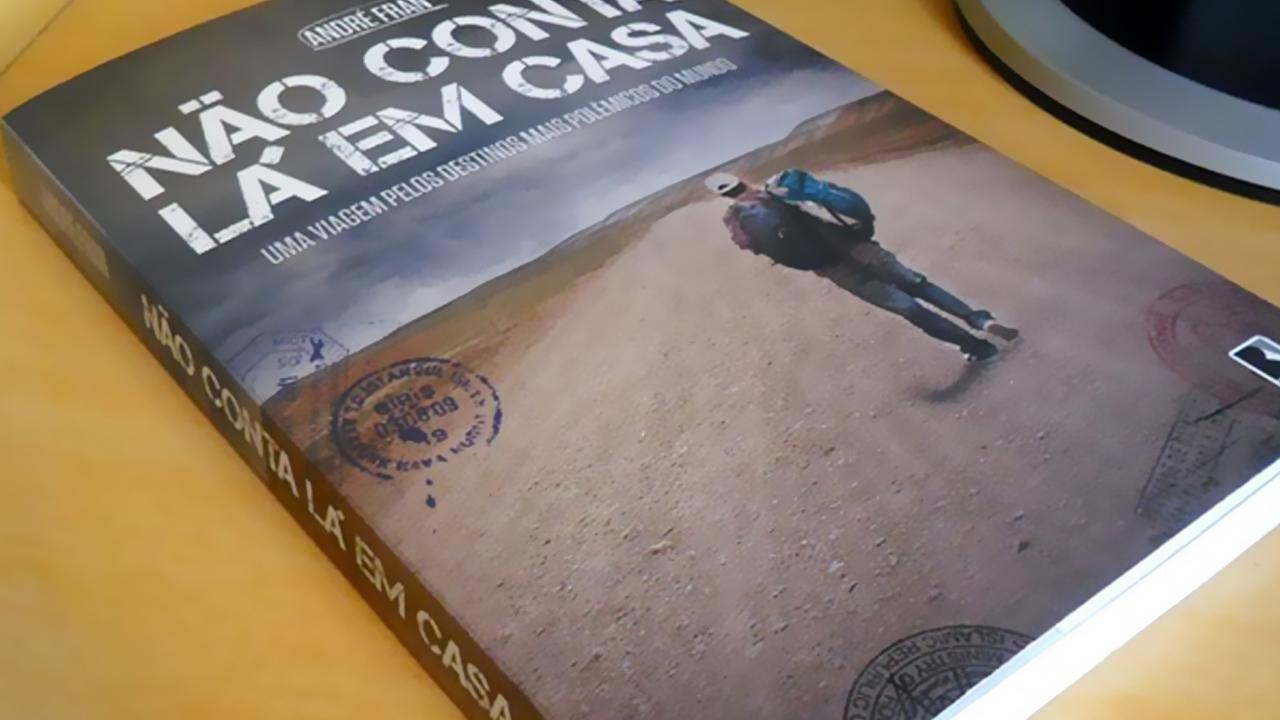 Livro escrito por André baseado na série de Tv. (Foto por Leonardo Lima)
