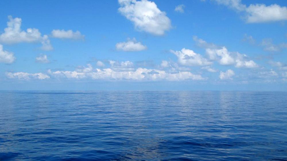 O Oceano Está Quebrado (2)